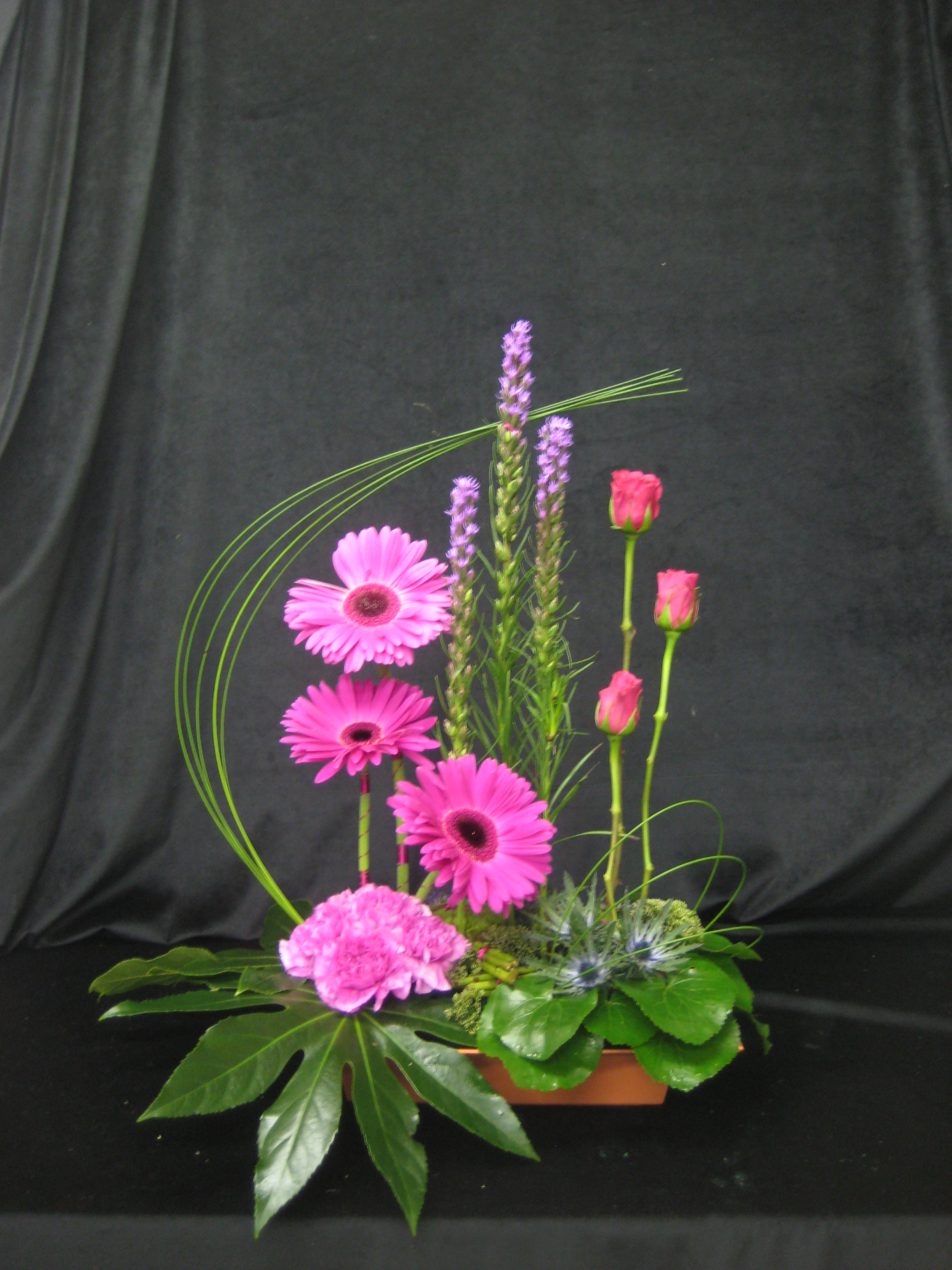 Vertical Designs Viewing Gallery Floral Arrangements For Home ...